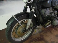 "yes, thats a front swingarm. AN ""earles"" fork."